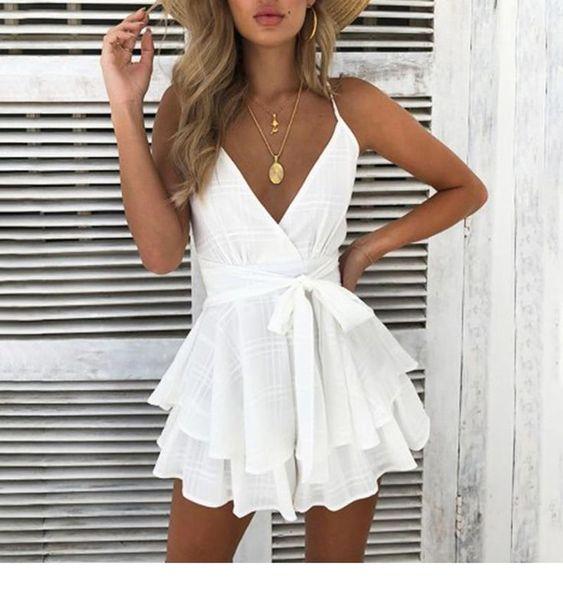 الفساتين الكشكش ذات التصميم الفضفاض