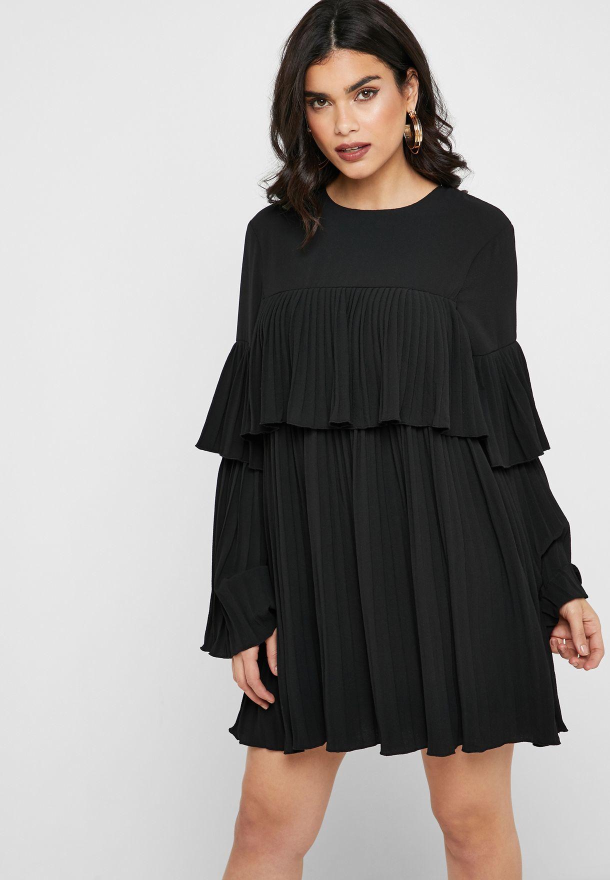 اللون الاسود لفستان كشكش طبقات