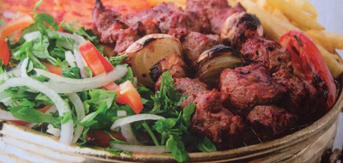 اوصال لحم مشوي على الفحم