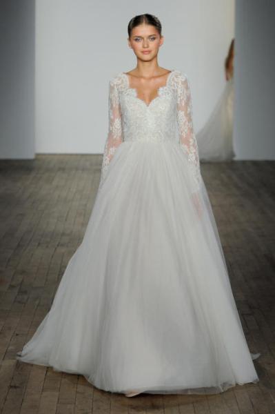 تصميم فستان زفاف بكم طويل دانتيل