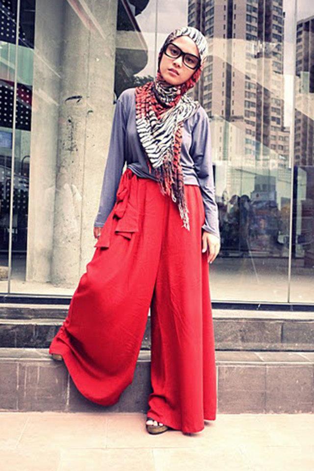 تنسيق البنطلون الواسع مع الحجاب بطريقة مبتكرة