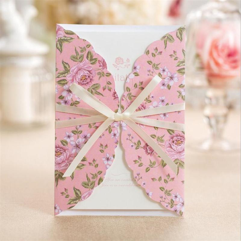 تصميم رقيق لثيمة زفاف باللون الوردي