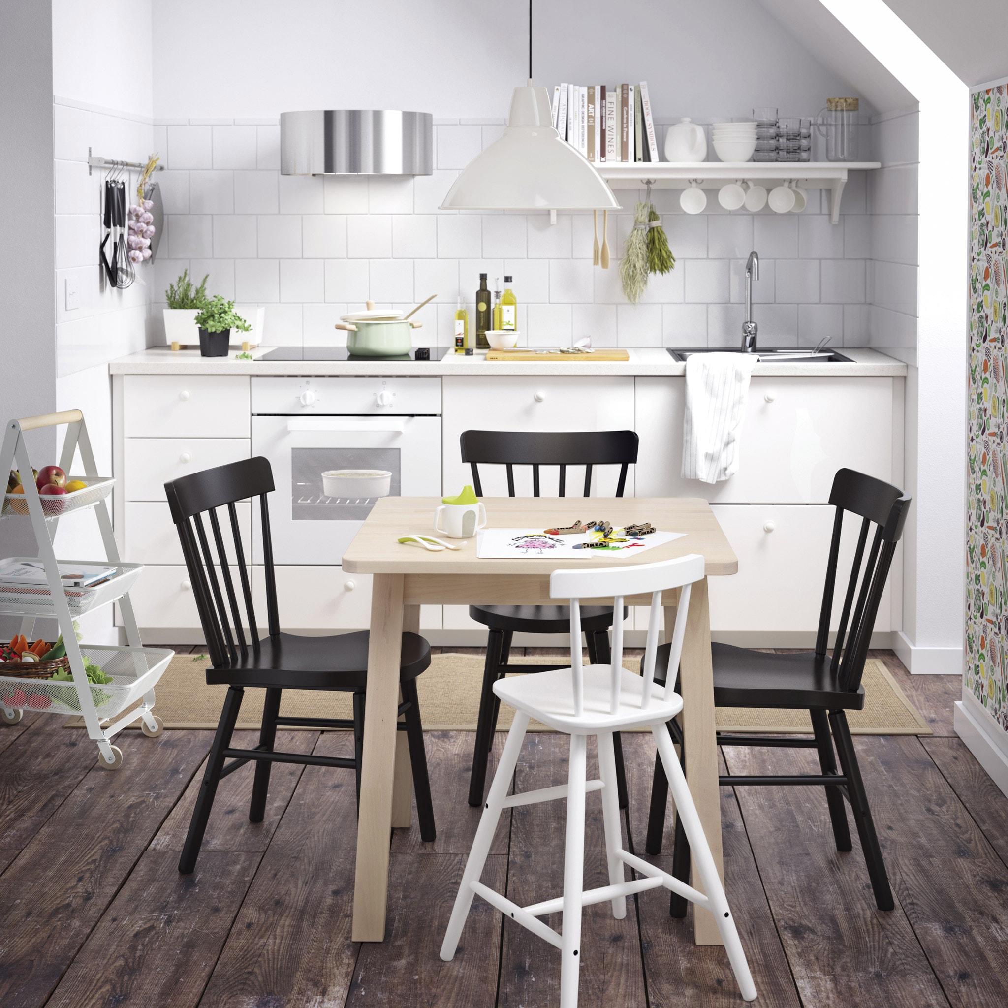 طاولة طعام للمطبخ صغيرة الحجم