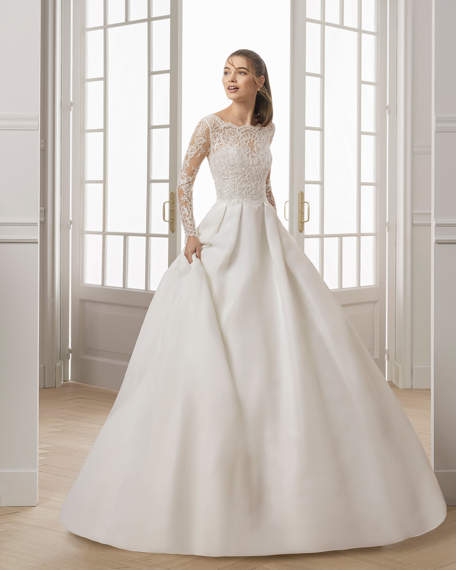 طلة ملكية راقية لعروس 2019