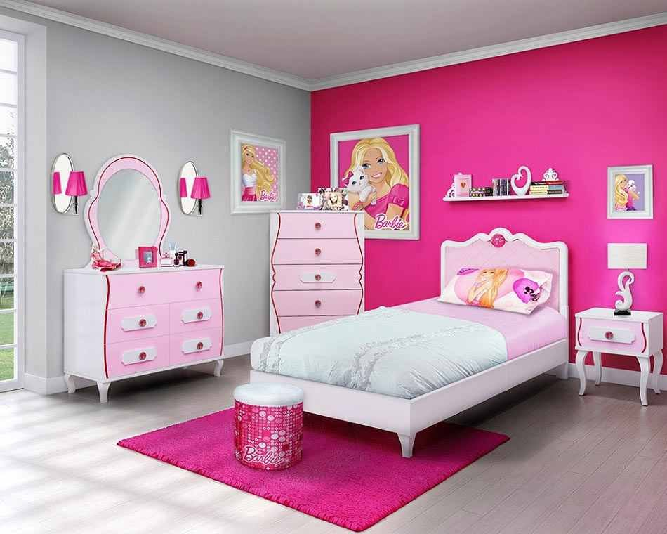 غرفة باللون الوردي تزينها صورة باربي