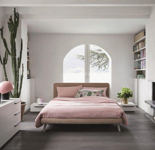 غرفة نوم ذات طابع رقيق