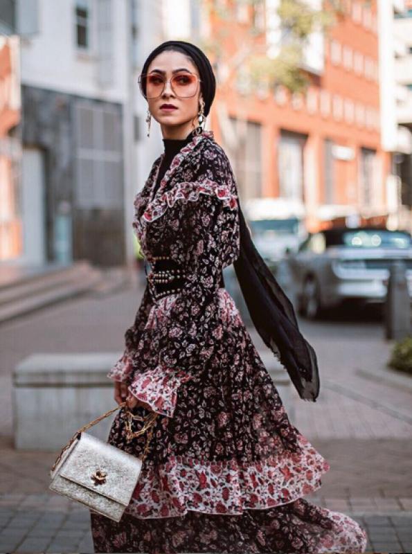 فستان شيفون يناسب المحجبات