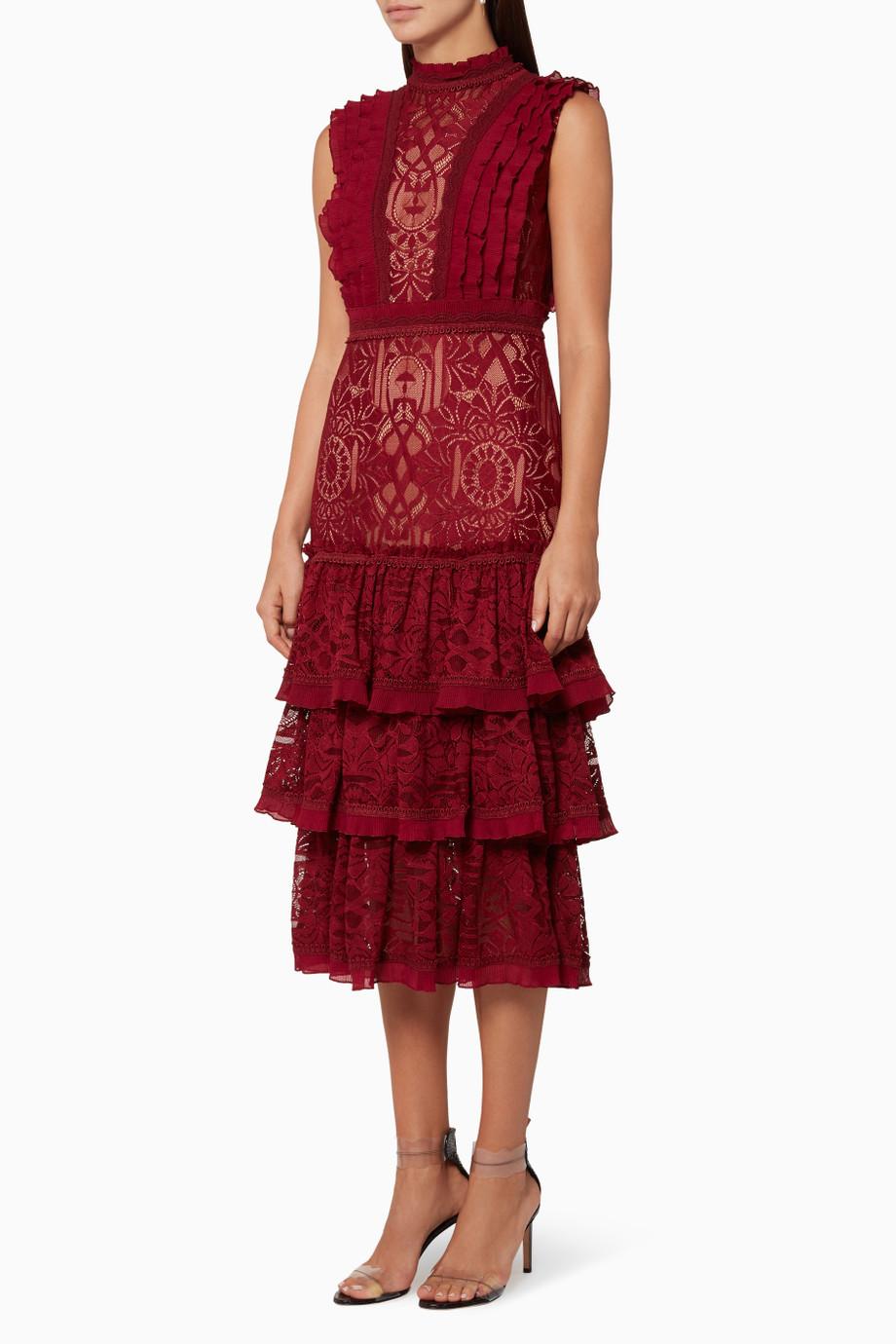 فستان كشكش طبقات باللون الخمري