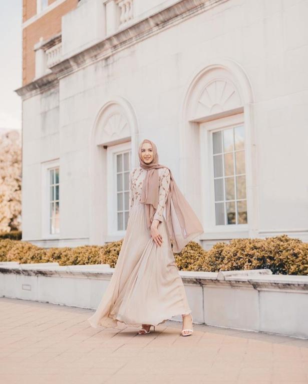 لينا-الاسعد-بفستان-منقوش