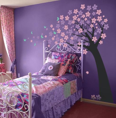 ورق حائط غرف نوم باللون البنفسجي بتصميم مميز