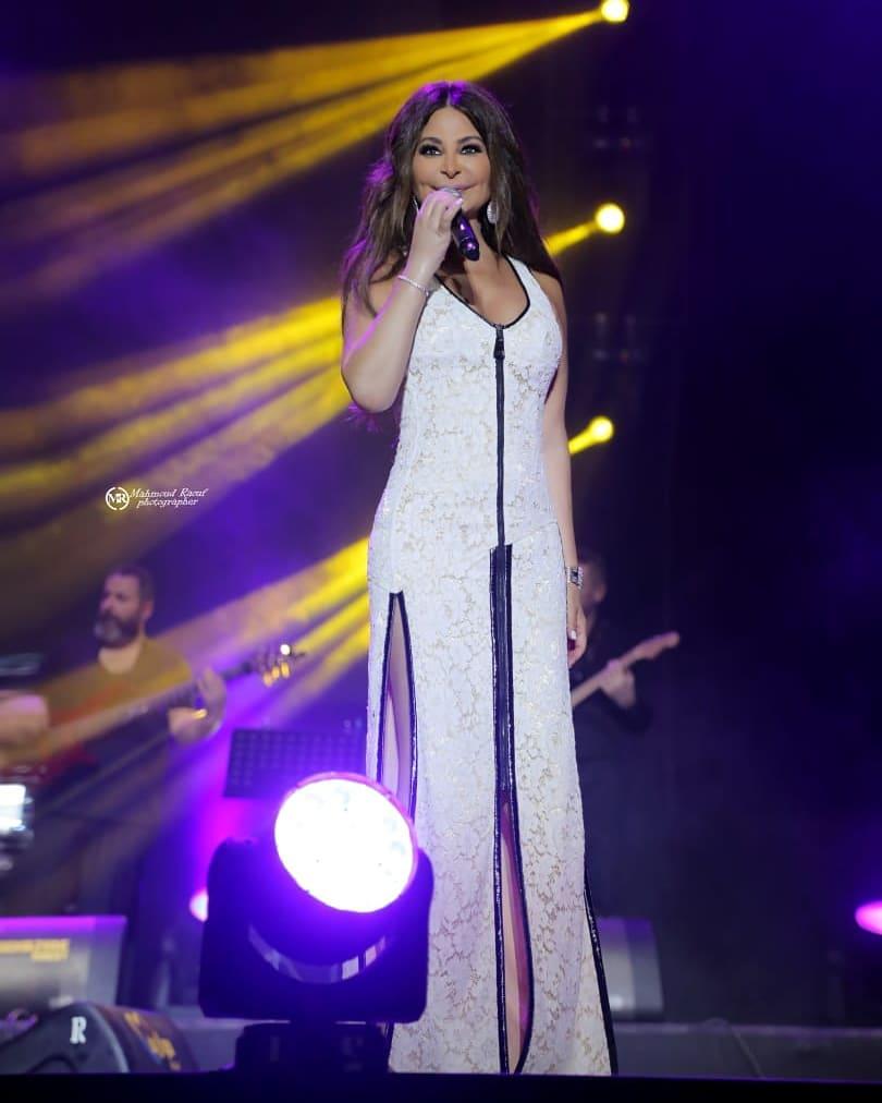 إليسا في مهرجان موازين الدولي بفستان من اللون الأبيض