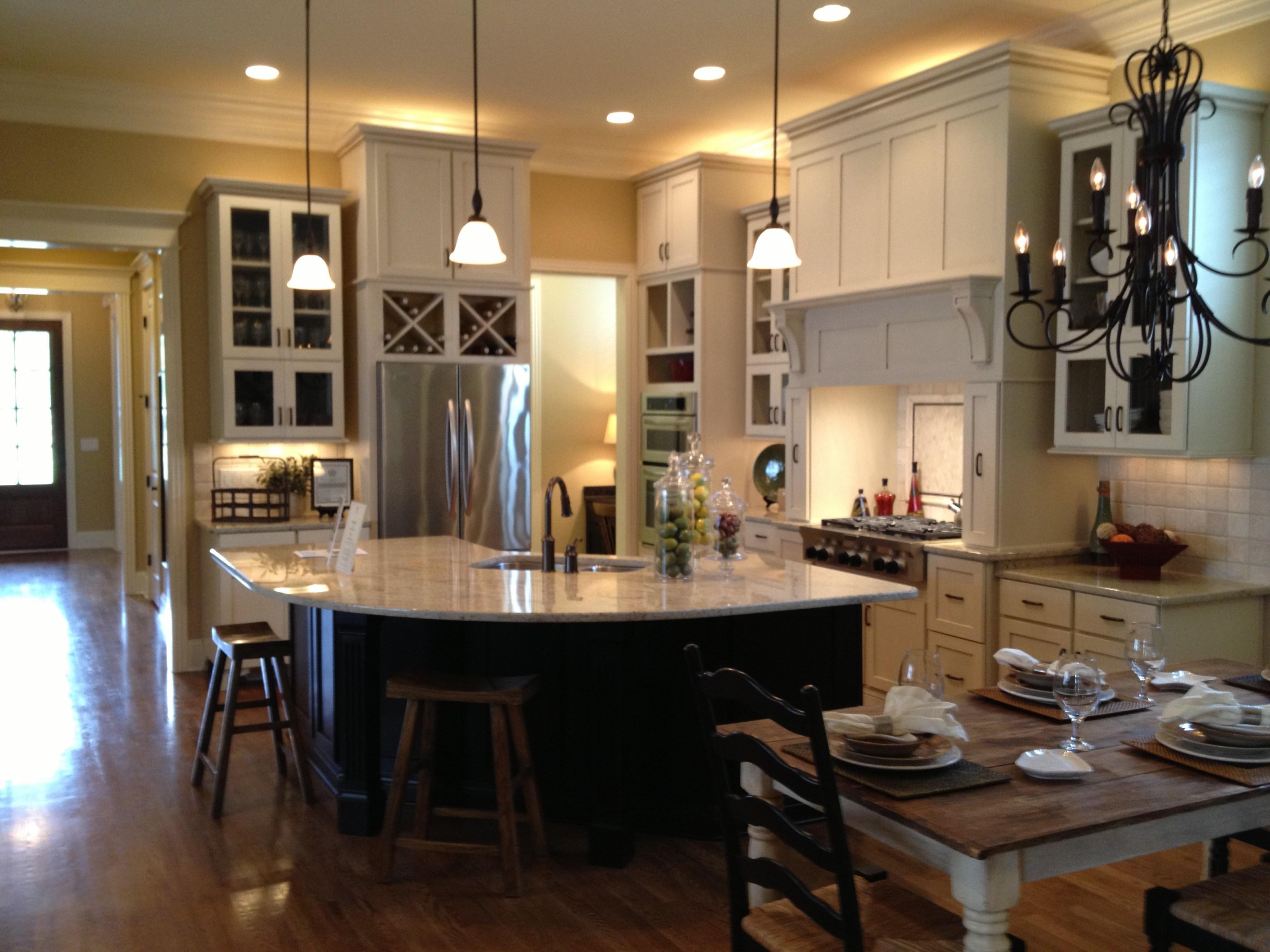 أشكال ديكورات مودرن للصالات المفتوحة على المطبخ