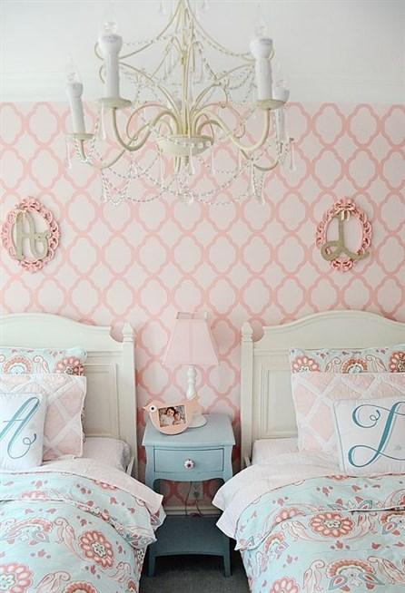 ديكورات ورق حائط لغرف النوم ملون ومشجر