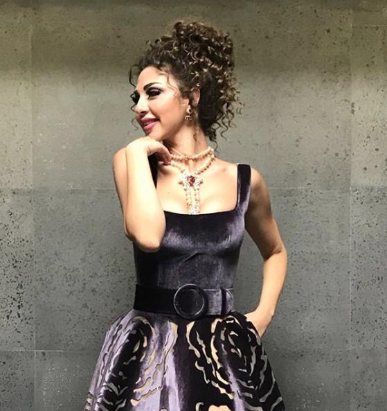 كوليهات ذهب ستوحاة من اطلالات ميريام فارس في 2019