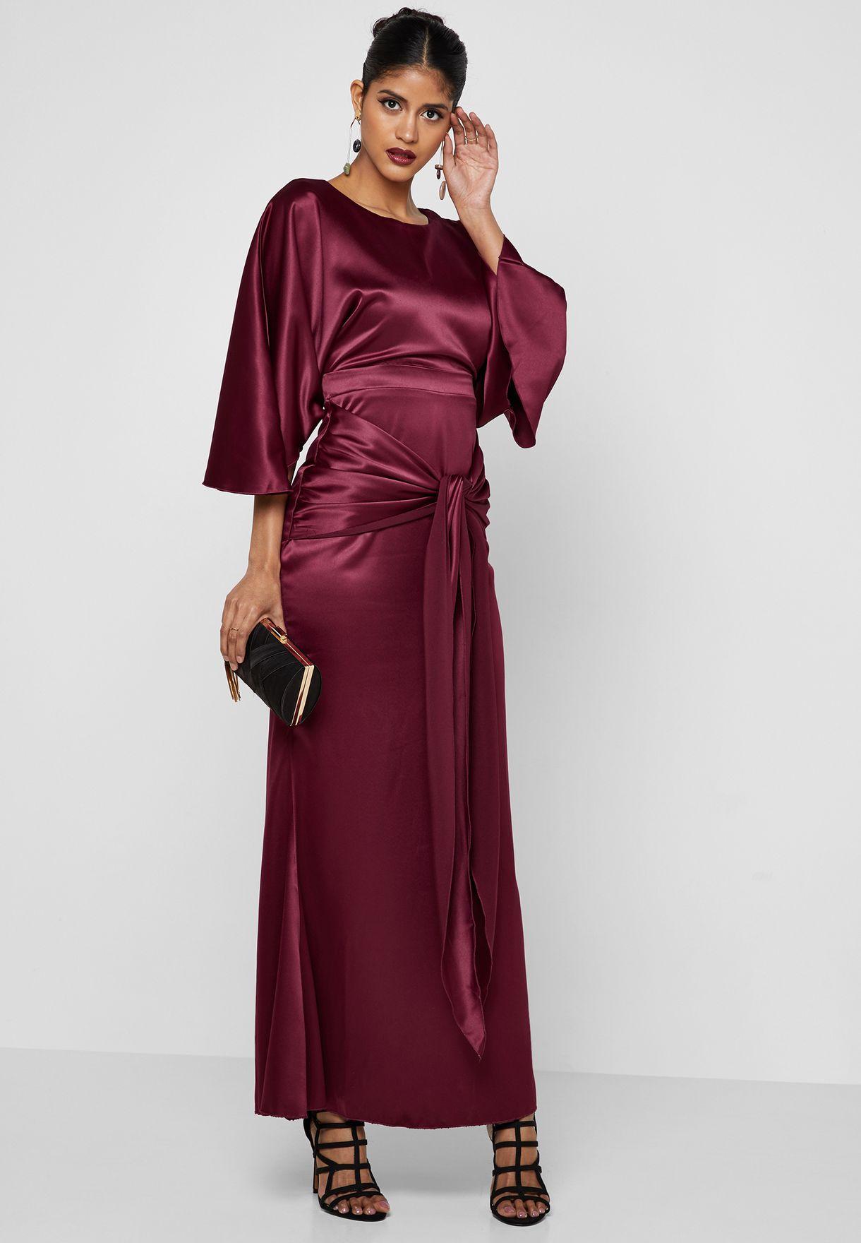 صور  أشكال فستان ستان طويل بكم للمحجبات مناسب للسهرات