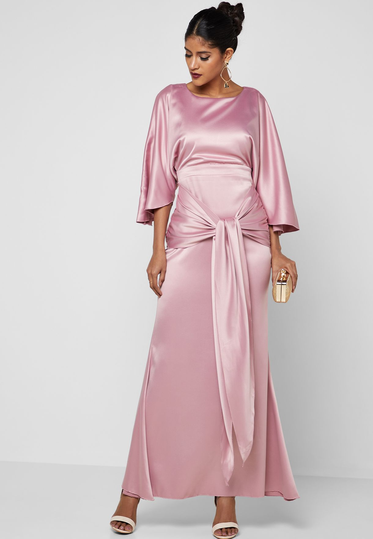 أشكال فستان ستان طويل سادة بكم للمحجبات مناسب للسهرات