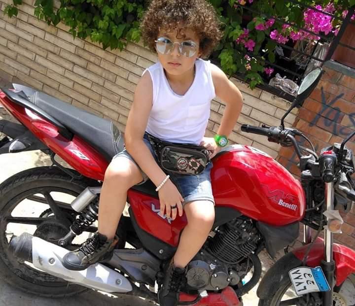 الطفل ياسين ابن الراحلة غنوة