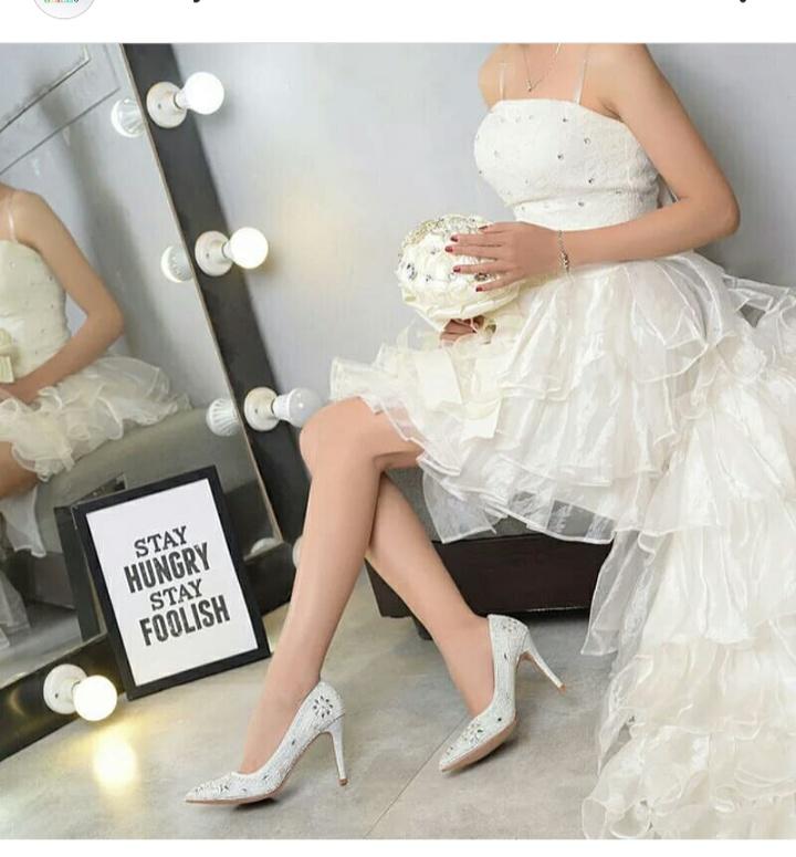 صورة حذاء كعب عالي للعروس باللون الأبيض