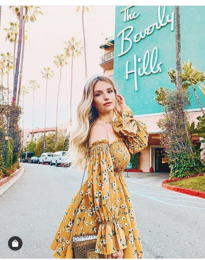 صورة فستان صيفي قصير منقوش