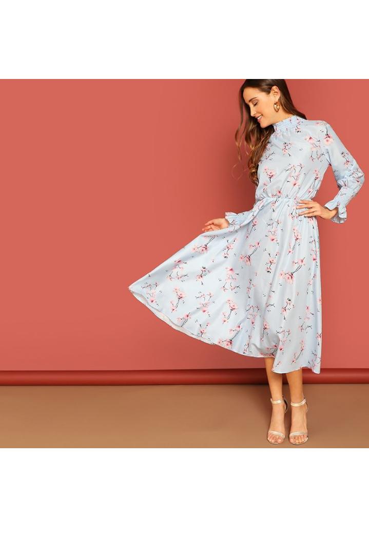 صورة فستان صيفي مورد طويل باللون السماوي