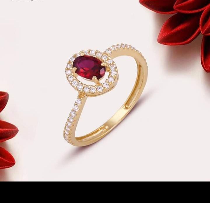 تصميم خاتم ذهبي بفصوص ملونة
