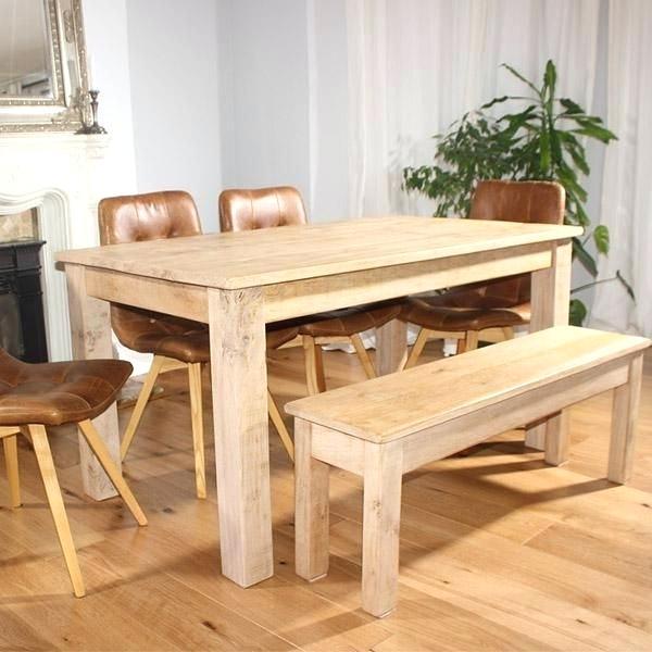 أشكال عملية لطاولات الطعام الخشبية