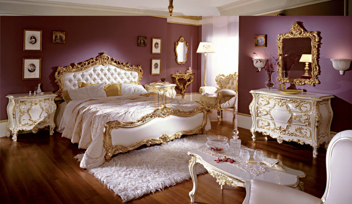 أشكال غرف نوم كلاسيك باللون الذهبي
