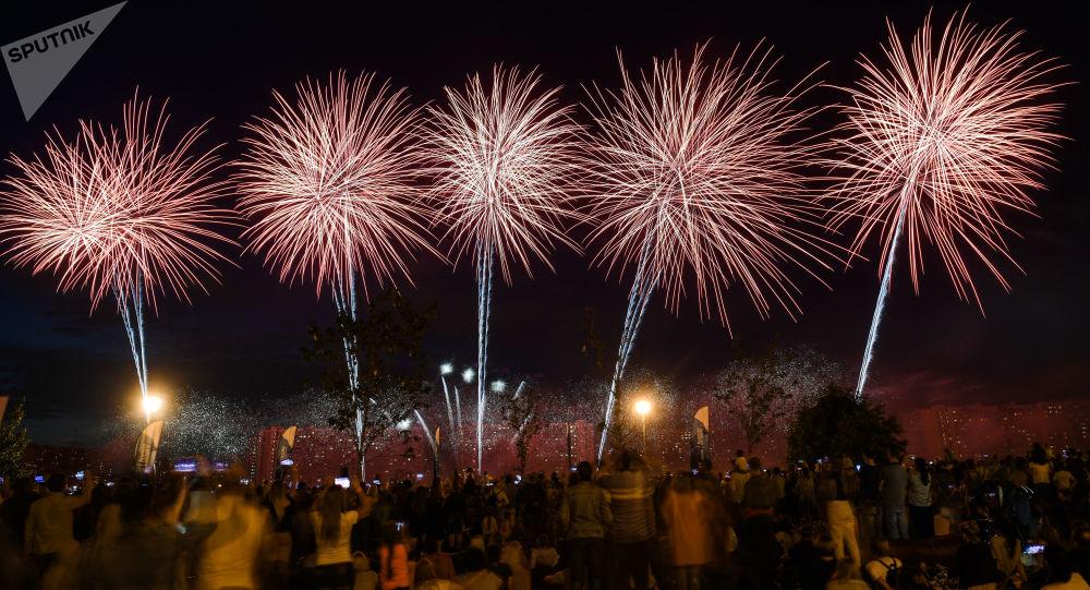 الألعاب النارية تتسبب في مقتل مغنية أمام جمهورها (صورة)