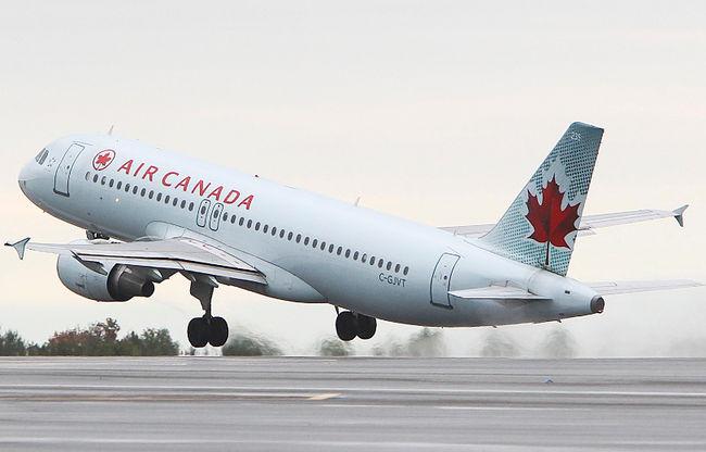 """"""" كلمات """" تغرم شركة طيران كندية 15ألف دولار وتجبرها على تقديم رسالة اعتذار"""