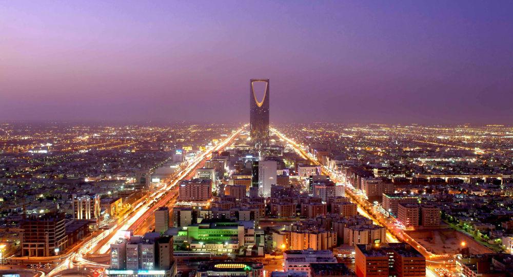 """أضخم زائر يصل السعودية للمشاركة في """" موسم الرياض """"...فيديو"""