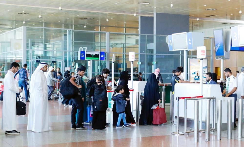 بالفيديو.. أول سائحة أجنبية تحصل على التأشيرة الإلكترونية في السعودية
