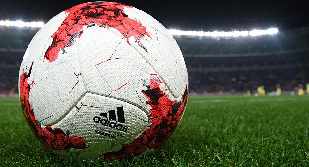 لأول مرة في كرة القدم .. أقال المدرب وعين نفسه وتعاقد مع 15 لاعبا في يوم واحد