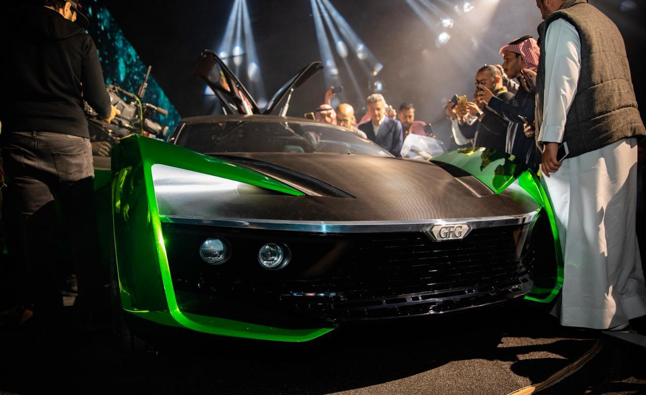 آل الشيخ يكشف الستار عن سيارة المستقبل الوحيدة في العالم
