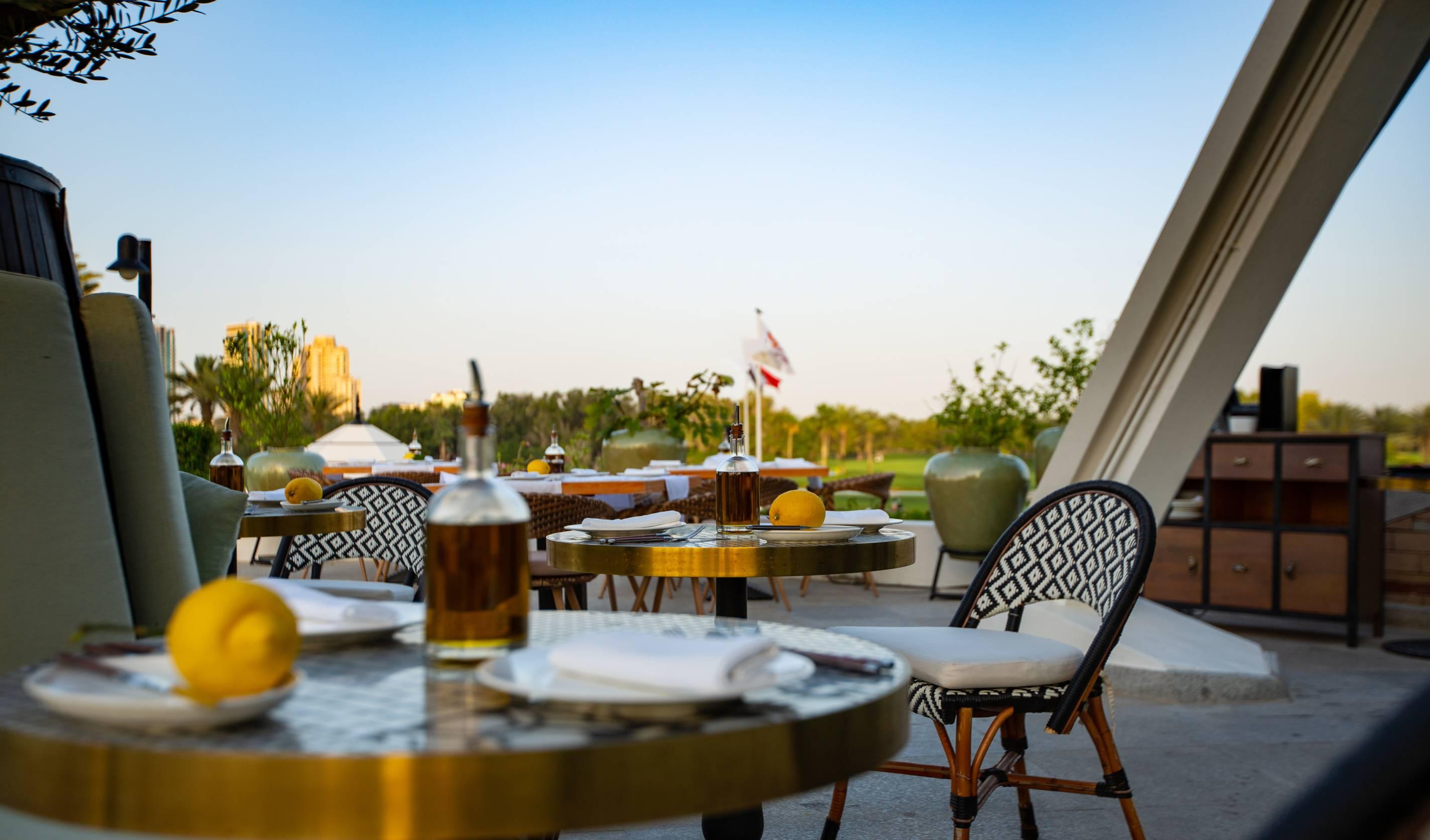 إعادة افتتاح تراس مطعم كارين الراقي المطل على ملاعب الجولف الخضراء