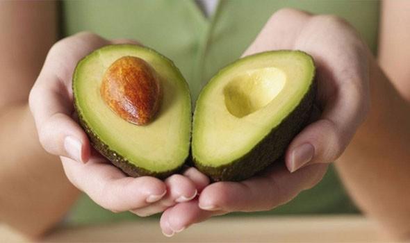 الفاكهة تساعد بقوة على إزالة دهون البطن