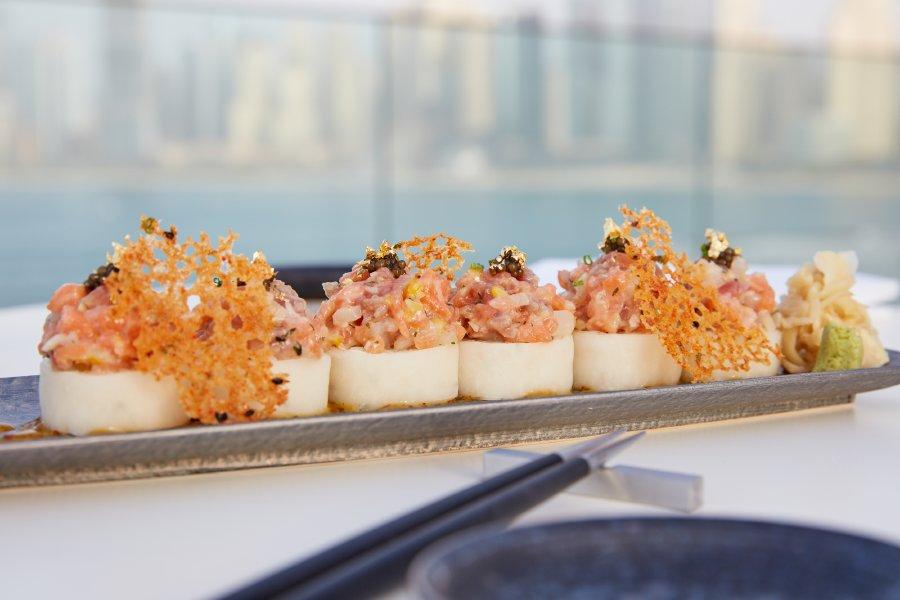 سيزرز بلوواترز دبي يتعاون مع الشيف أكيرا باك لافتتاح مطعم بارو الياباني المعاصر