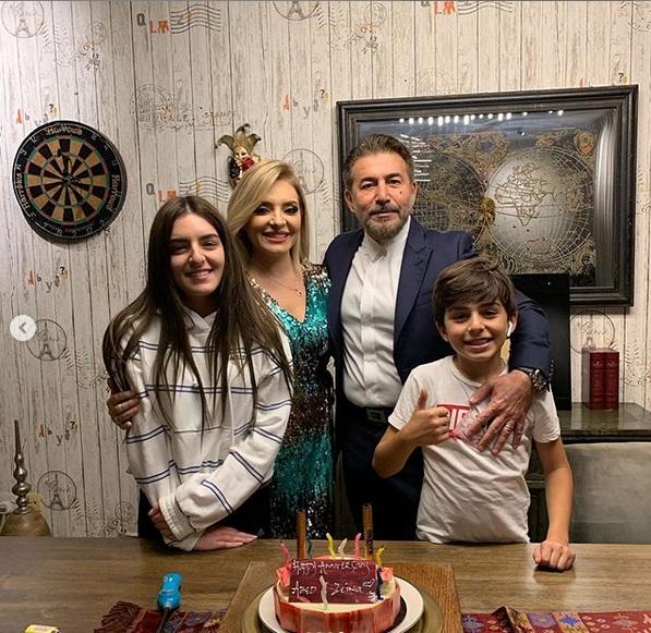 عابد فهد وزينة يازجي يحتفلان بـ 17 سنة زواج