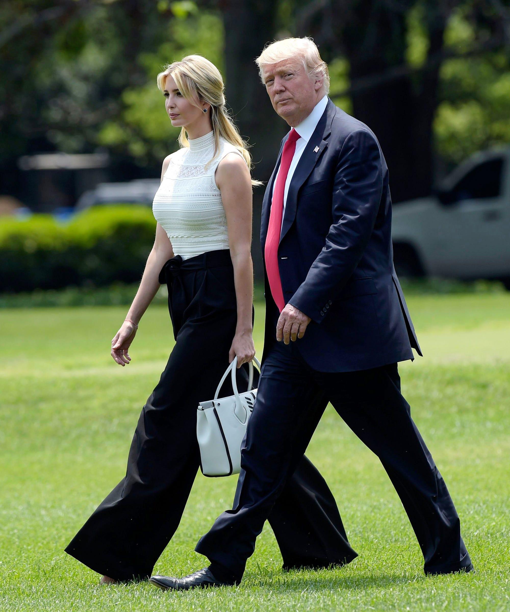 تقارير عن علاقة مشبوهة بين إيفانكا ترامب ووالدها دونالد ترامب