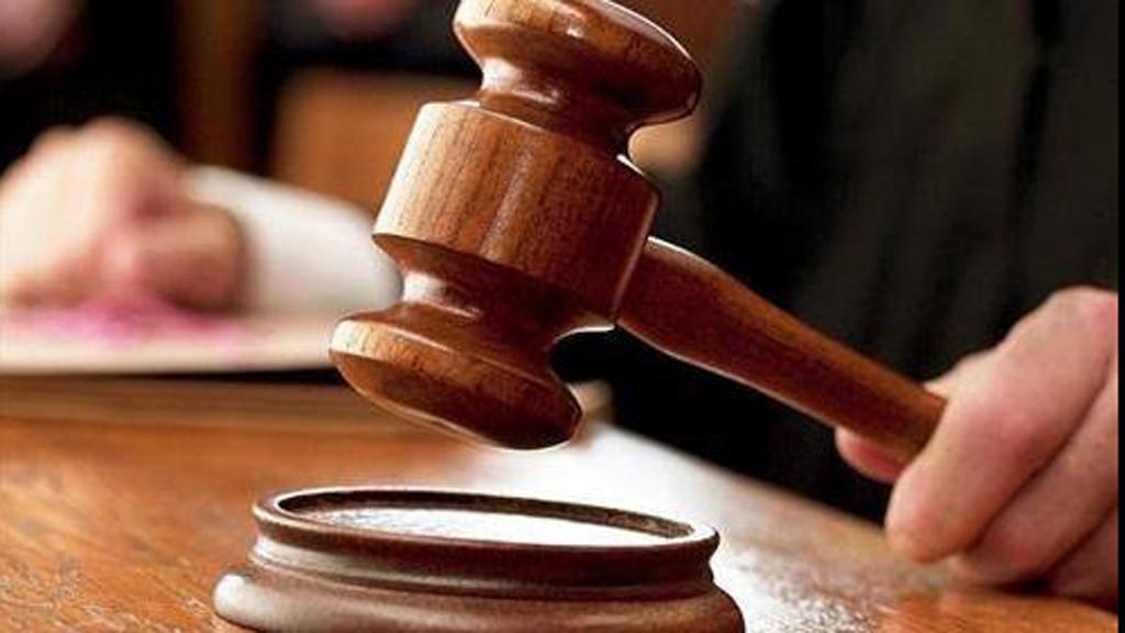 محكمة تمنع رجلا من الاقتراب من زوجته لمدة عام كامل