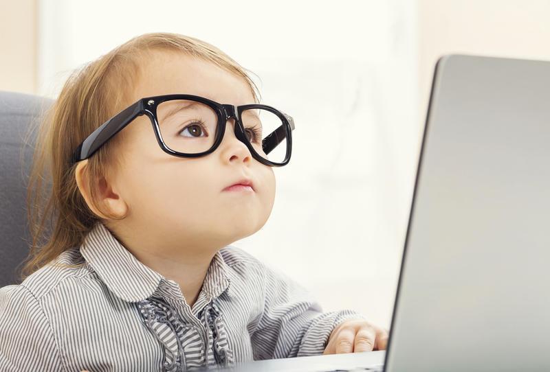 طفل يدخل منظمة أكثر الأشخاص الأذكياء في العالم لأول مرة