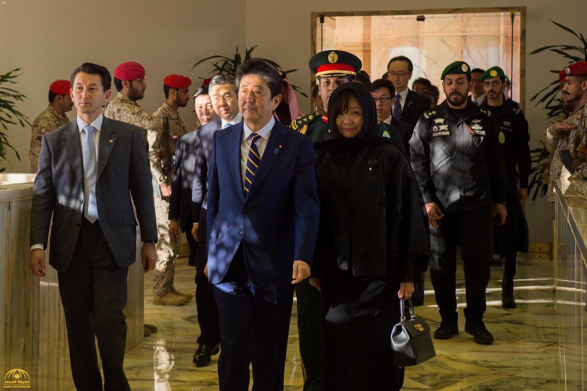 بالفيديو.. زوجة رئيس الوزراء الياباني ترتدي الحجاب في السعودية