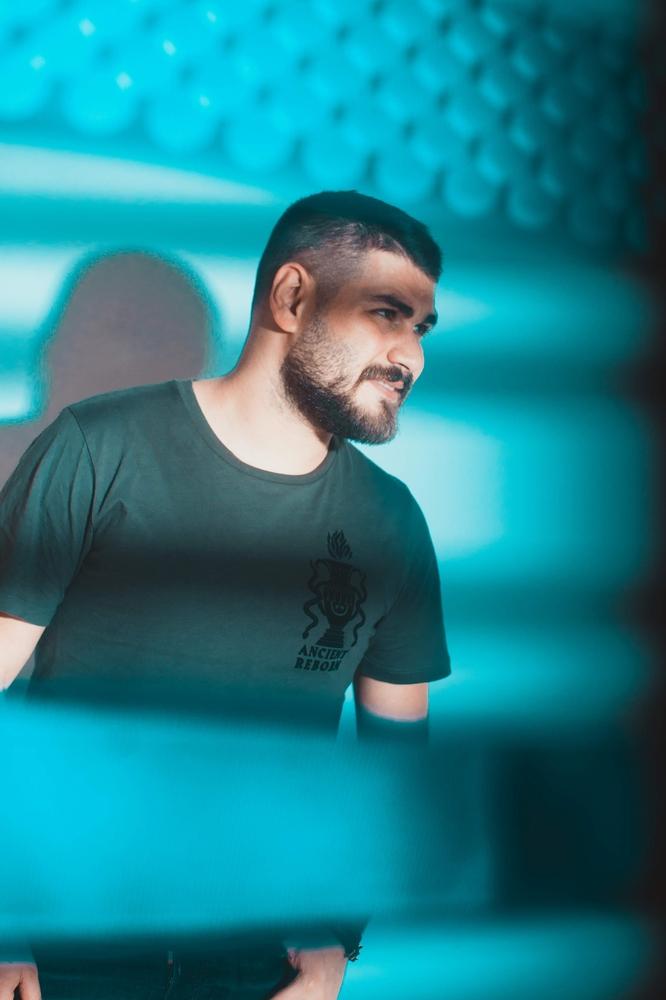 محمد المجذوب يحيي حفلاً غنائياً ضمن برنامج Live At Aloft Hotels
