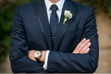رجل يعرض ٢٥ ألف دولار مكافأة لمن يعثر له على شريكة لحياته