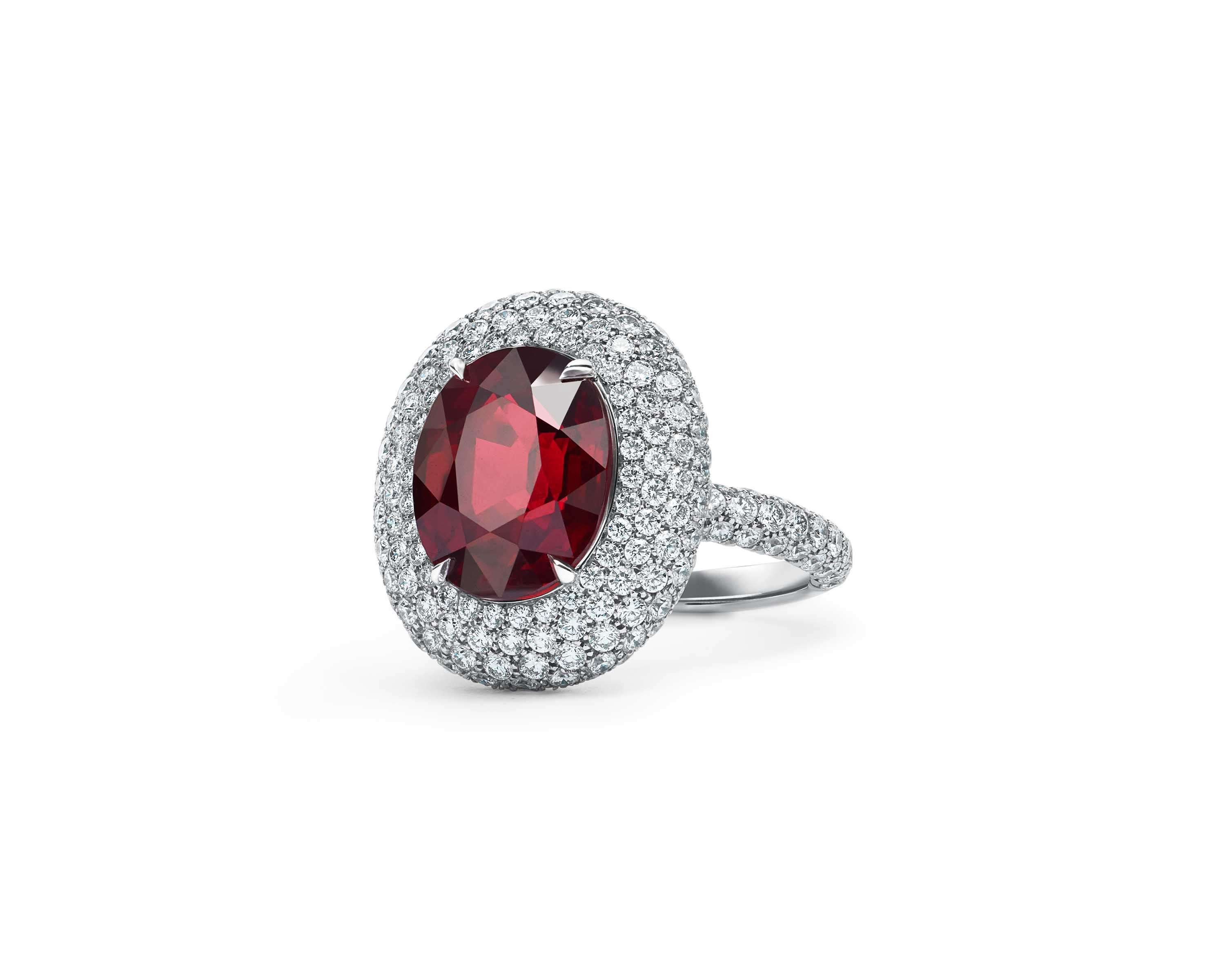 Tiffany & Co. ring in platinum with a ruby of over 6 carats and round brilliant diamonds