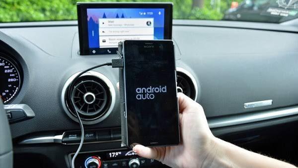 """غوغل تصدر أول تحديث """" أندرويد أوتو """" لقيادة آمنة"""