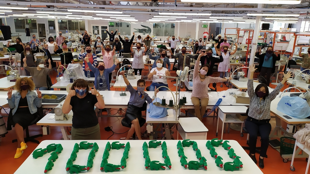 لاكوست تنتج 100000 قناع لمكافحة كورونا