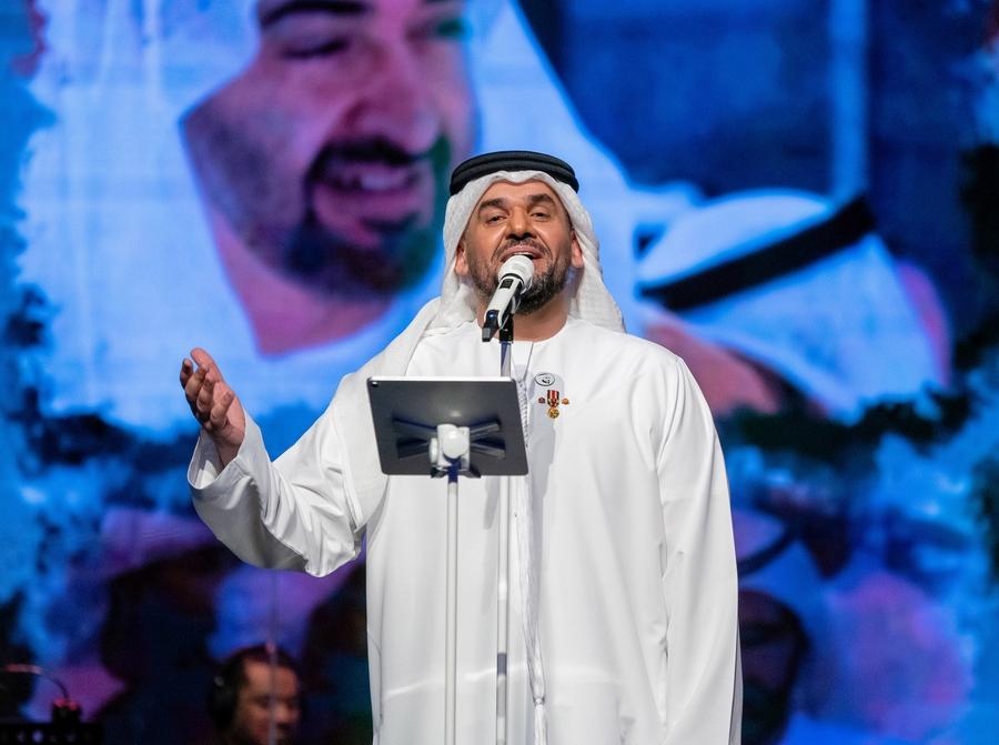حسين الجسمي يعايد الجمهور وينثر الأمل والفرح حول العالم