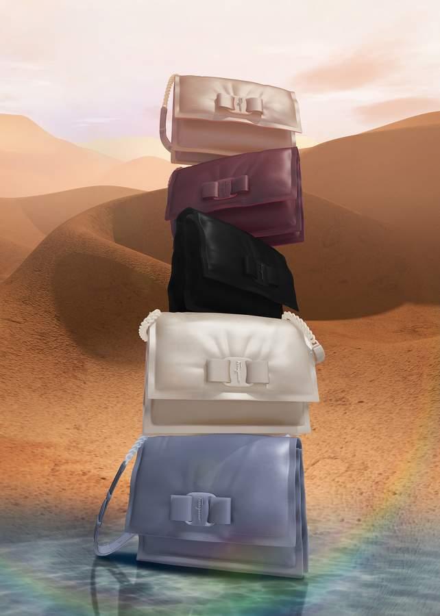 تعرّفوا على حقيبة VIVA Bow الجديدة لدى دار Salvatore Ferragamo