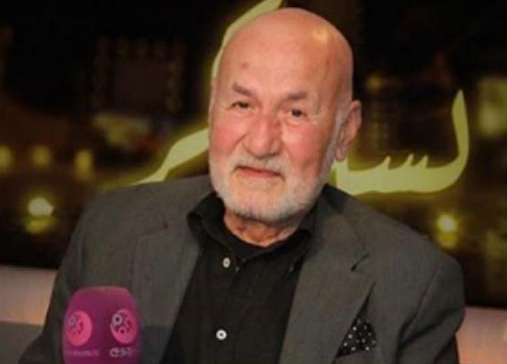 عزت أبو عوف وذكريات المقربين إليه بعد عام من وفاته