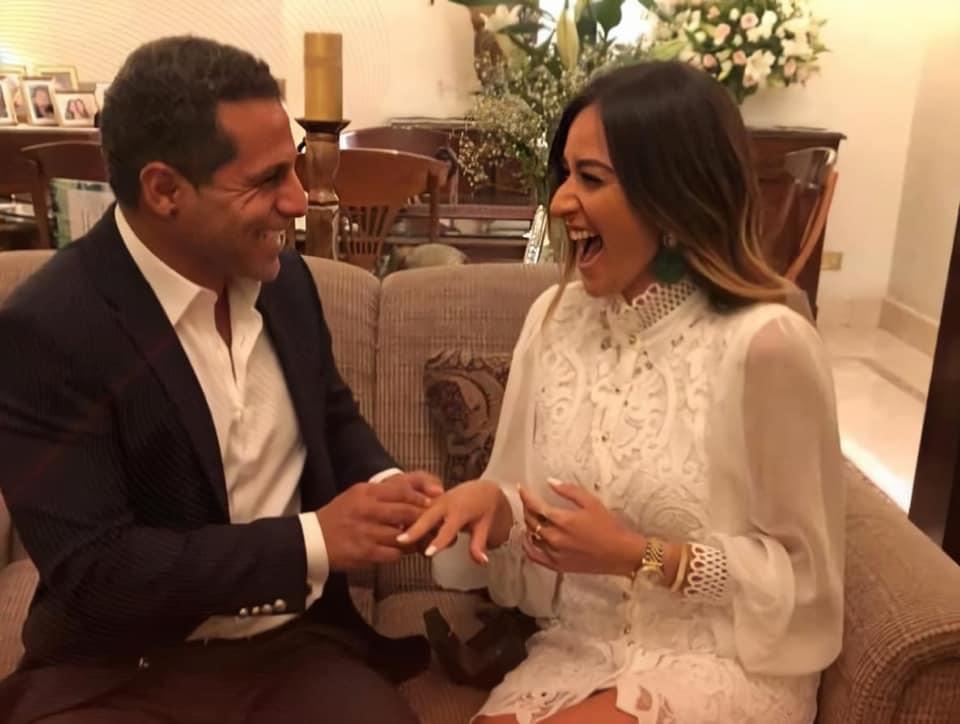 أمينة خليل تعلن خطبتها من أحد رجال أعمال مصر